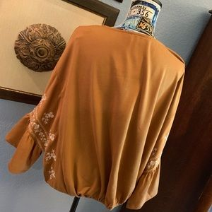 Infinity Raine Tops - Embroidered Dolman Soft Tunic (Small or Large) NWT